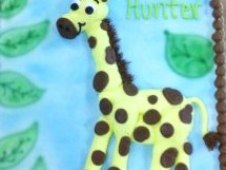 Piped Giraffe with Leaves