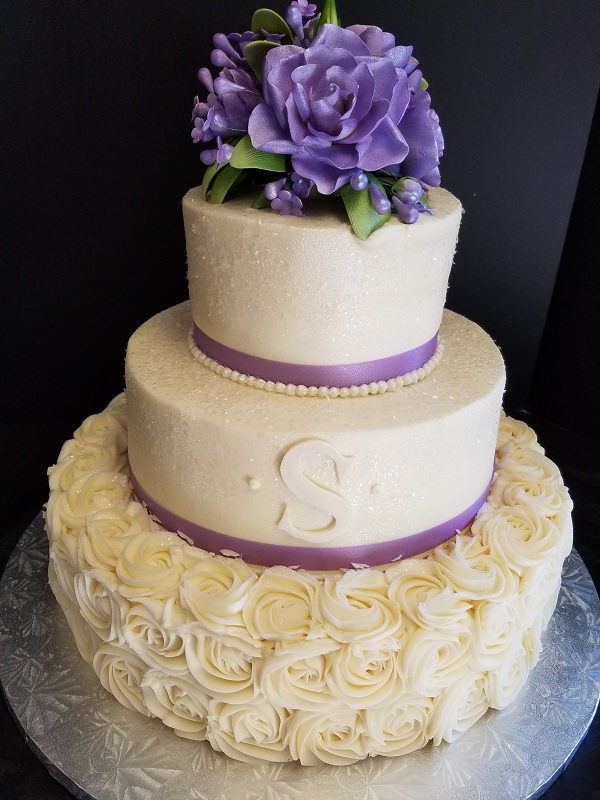 Linda's Bakery Wedding Cakes